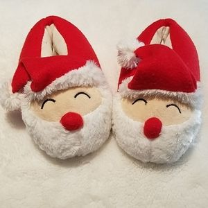 Toddler Santa Slippers 🎅🏻